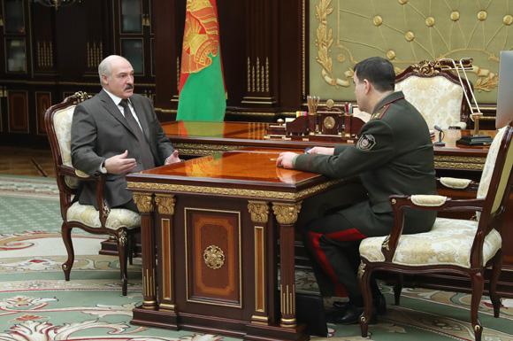 Президент Беларуси Александр Лукашенко подчеркивает особую роль КГБ в обеспечении безопасности страны