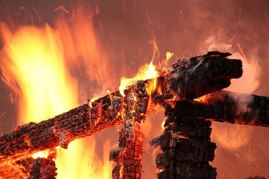 28 января в шесть часов утра в центр оперативного управления Копыльского РОЧС поступило сообщение о том, что горит дом