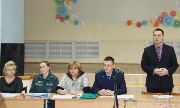 ■ Александр Липницкий (выступает), Алексей Загорцев, Анна Механикова, татьяна Шестакова и Марина Гайдель