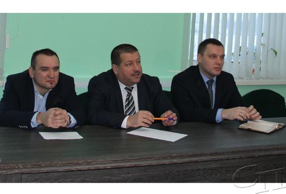 На текущей неделе представители местной власти района встретились с трудовыми коллективами Копыля
