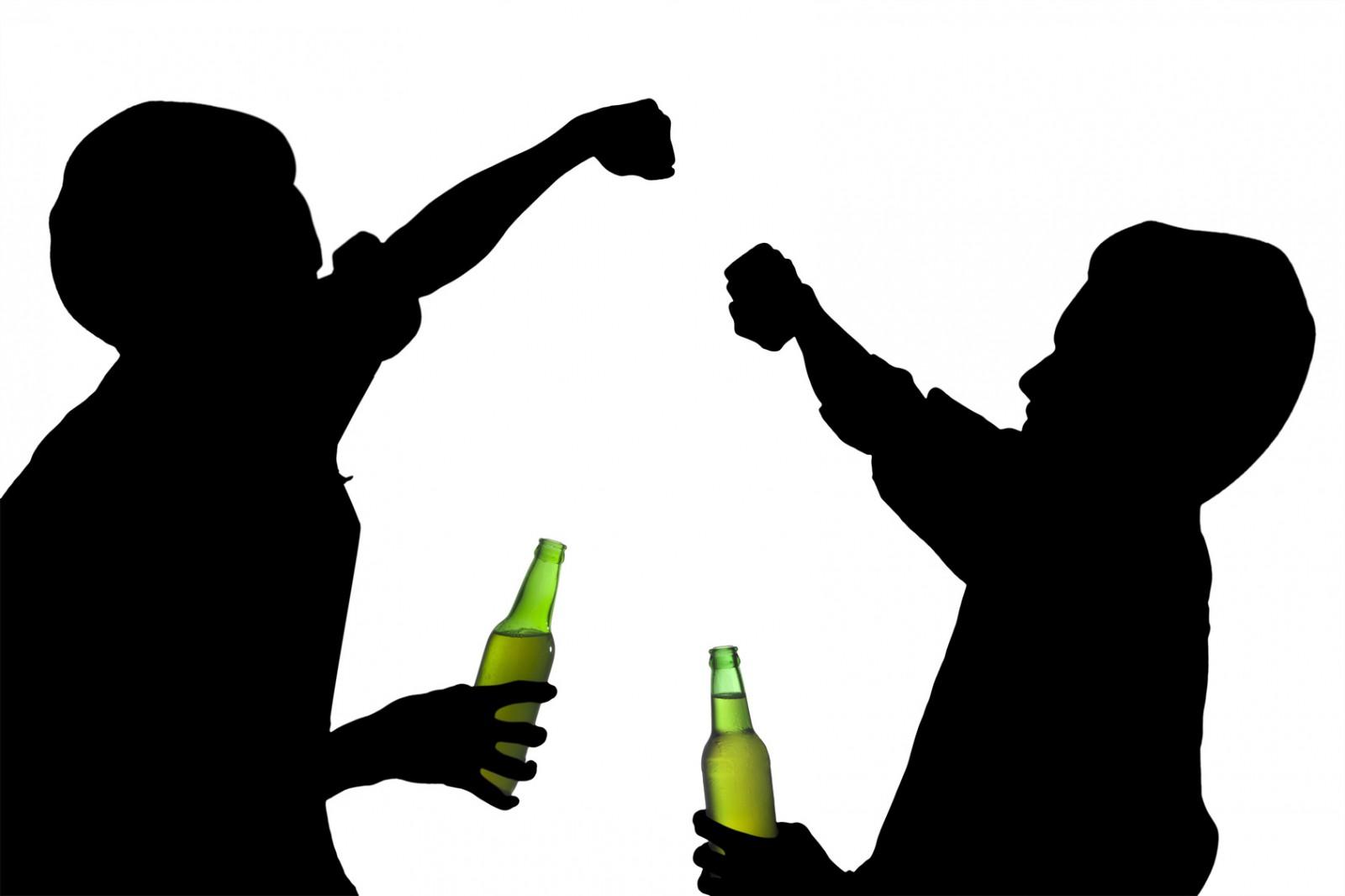 Нарушение установленных запретов и употребление спиртного — очередной процесс взросления вашего ребенка