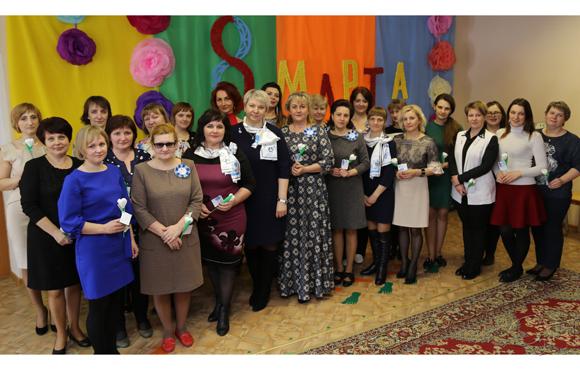 По случаю Дня женщин в санаторном яслях-саду г. Копыля состоялся праздничный огонек для работников этого учреждения образования