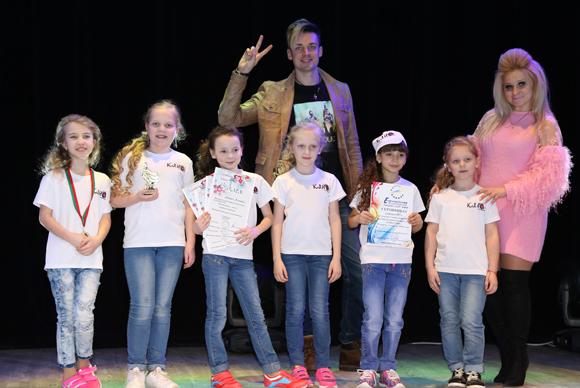 Воспитанники образцовой студии эстрадного вокала «Клио» с успехом выступили на фестивале-конкурсе «Рождественские встречи-2018»