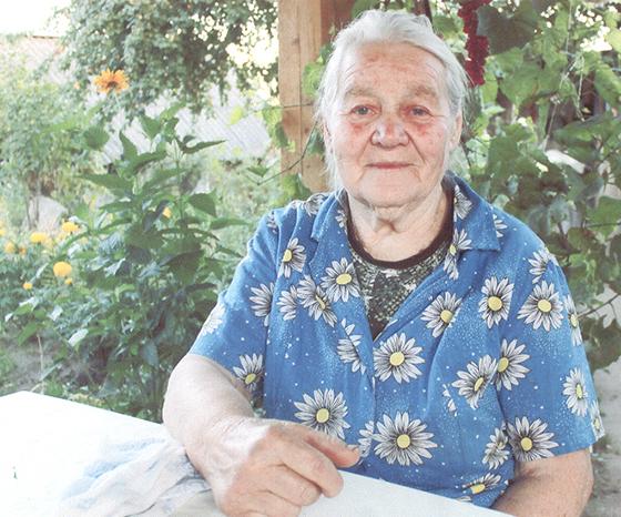 И певунья, и рукодельница и труженица живет в деревне Дороговица Копыльского района