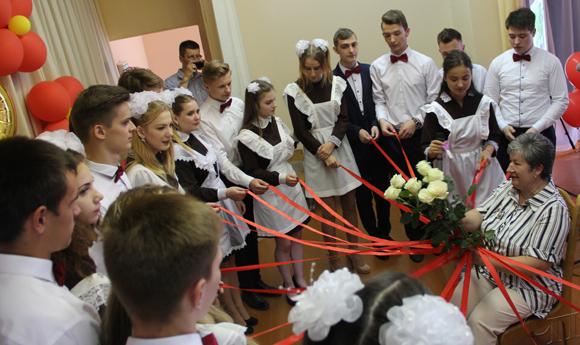 Последний звонок возвестил 2924 ученикам Копыльщины об окончании учебного года