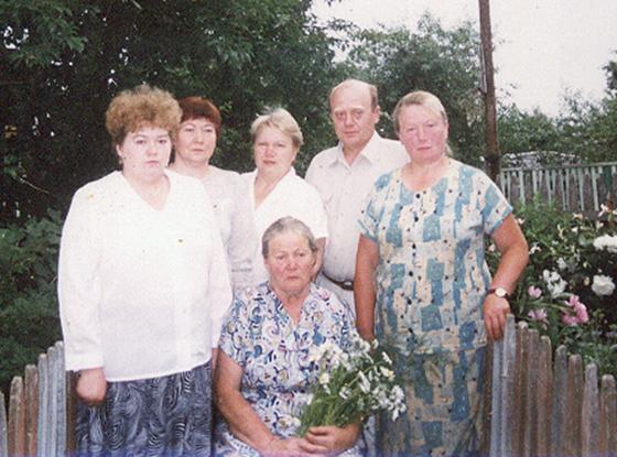 ■ Янина Игнатьевна с семьей, начало ХХІ века