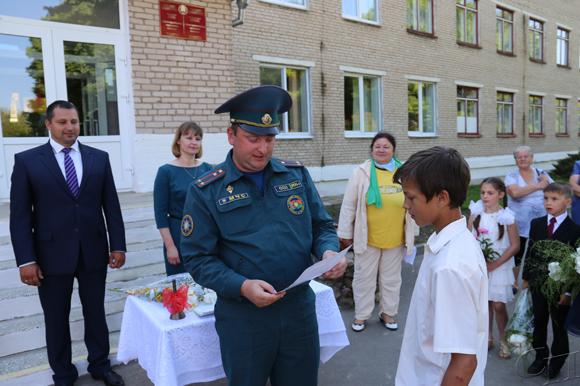Торжественная линейка в честь последнего звонка в Докторовичской СШв этом году прошла необычно