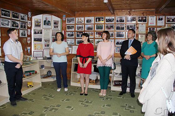 В Семежево, на родине Героя Беларуси Михаила Высоцкого, прошла встреча молодежи с руководством Копыльского района