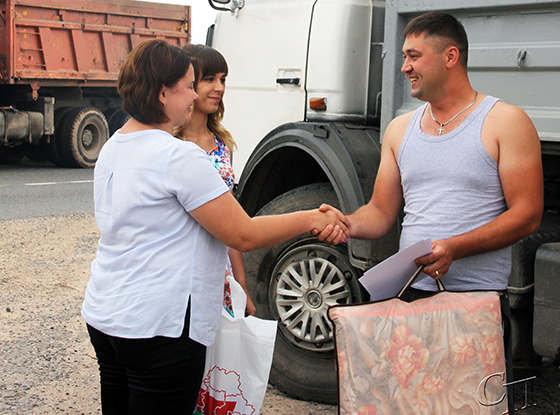 Валерий Гончарик из ОАО «Душево» – первым из молодых водителей перевез 1000 тонн зерна