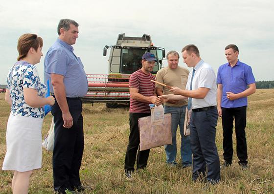 Первый экипаж-тысячник в Копыльском районе работает в ОАО «Пионер-Агро»