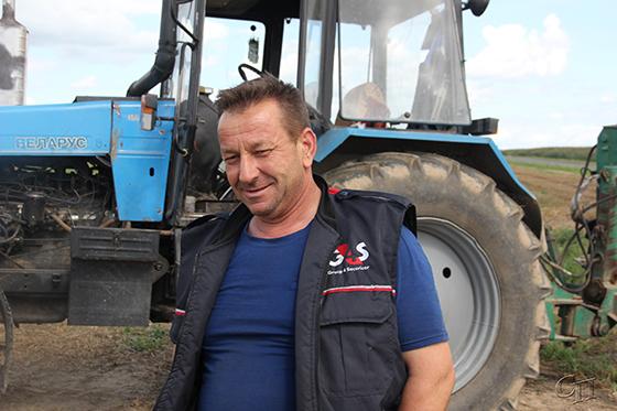 ■ Механізатар Леанід Рымашэўскі на ворыве