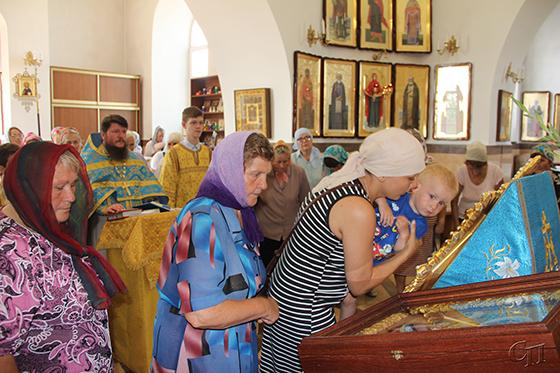Многие жители Копыльщины смогли вознести молитвы чудотворной иконе Божией Матери «Жировицкая»