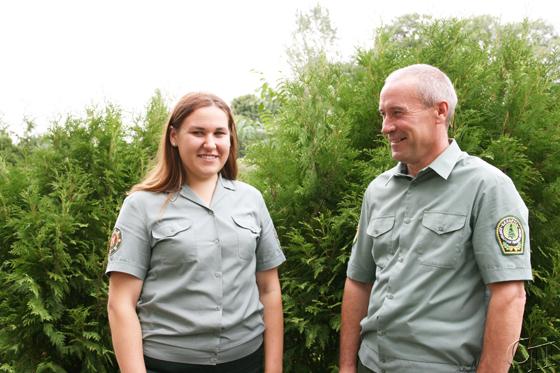 Алеся Казак продолжила семейную династию лесоводов в Копыльском опытном лесхозе