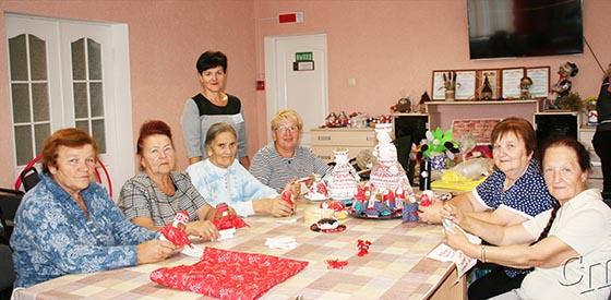 Интересно проводят свободное время посетители отделения обеспечения дневного пребывания граждан пожилого возраста на базе ГУ «Копыльский ТЦСОН»
