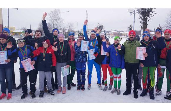 Команда Копыльского района заняла первое место в областных соревнованиях по лыжным гонкам