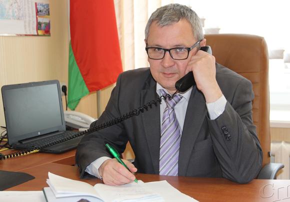 Главный врач Копыльской ЦРБ Сергей Потейкович провел прямую линию с жителями района