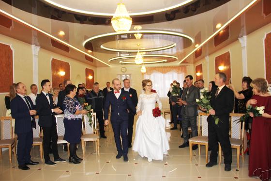 Время рождения семьи — январь: в Копыльском ЗАГСе прошла первая в 2019-ом церемония бракосочетания