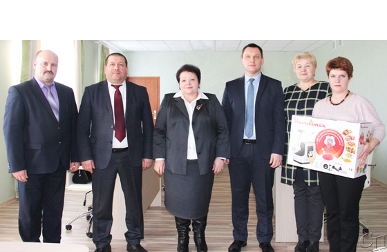 ■ Игорь Бурак, Анатолий Линевич, Жанна Шебеко, Александр Липницкий, Ирина Кисляк и Елена Карпеленя