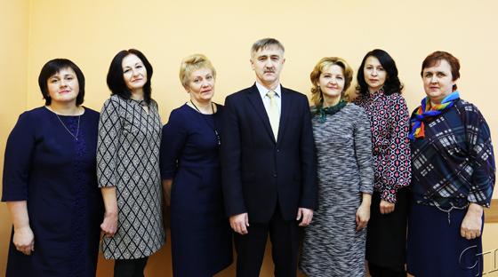 ■ Андрей Гирко с коллективом финансового отдела