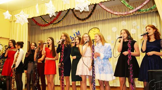 Праздник для всех: на новогоднем утреннике в СШ № 3 г. Копыля побывали почетные гости