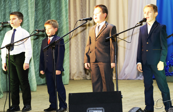 Свет Рождественской звезды: традиционный праздничный концерт собрал копылян в районном центре культуры