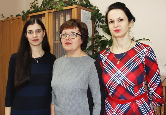 ■ Светлана Курчик (в центре) с Валерией Зенюк и Ольгой Цвирко
