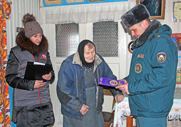 В Копыльском районе проходит обследование пожарной безопасности пожилых людей