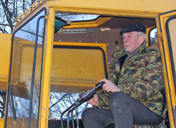 Машинист автокрана КУП «Копыльское ЖКХ» Валерий Сакович: «Ошибаться не позволено»