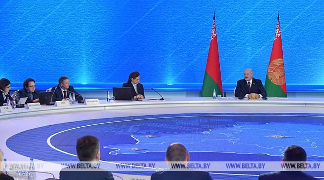 Лукашенко: Китай — надежный партнер, который всегда подставляет плечо Беларуси