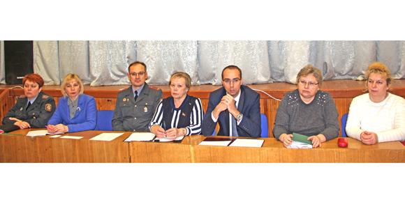 В Копыльском государственном колледже состоялось выездное заседание комиссии по делам несовершеннолетних