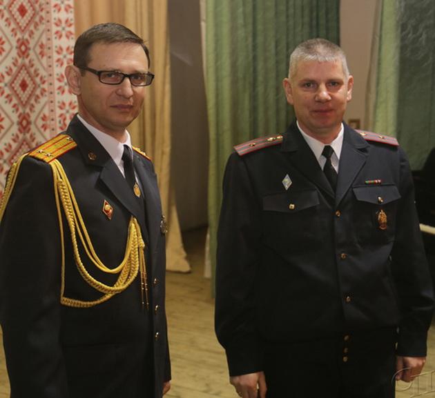 ■ Виталий Сиротко наградил Игоря Липницкого медалью «100 год міліцыі Беларусі»