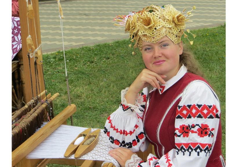 Директор районного центра ткачества Татьяна Волкова получила почетное звание «Народный мастер Беларуси»