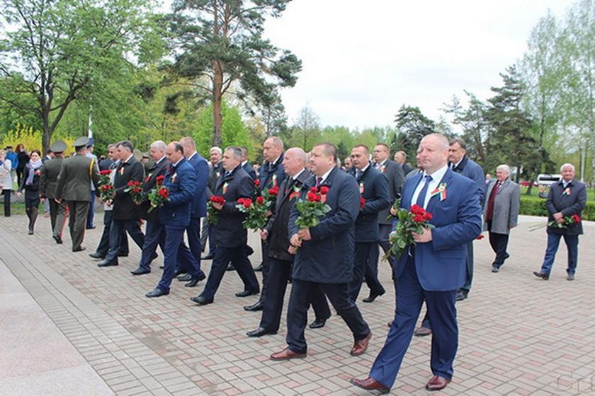Делегация Копыльщины приняла участие в областном параде, посвященном Дню Победы