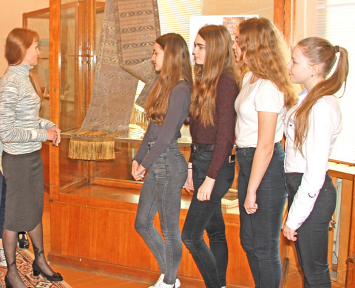 В Копыльском районном краеведческом музее проходит выставка одного экспоната — Слуцкого пояса