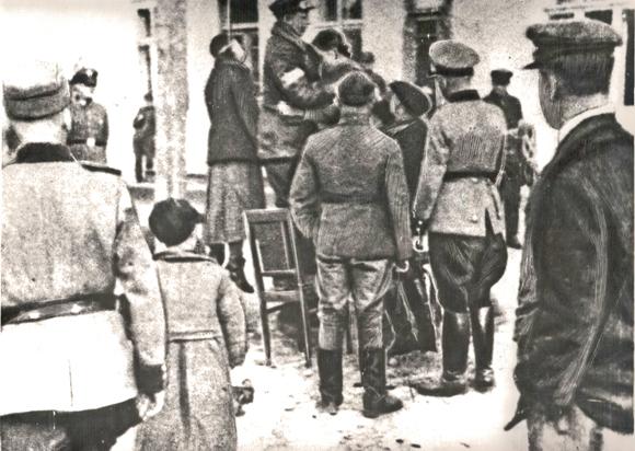 ■  Казнь партизанки Марии Щурской. Копыль. 1942 год
